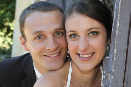 Photo pour Happy bride and groom portrait after wedding ceremony - image libre de droit
