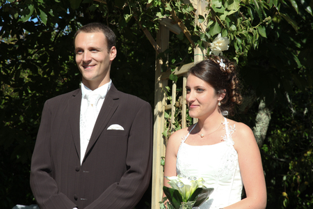 Photo pour groom and bride during celebration in wedding day - image libre de droit