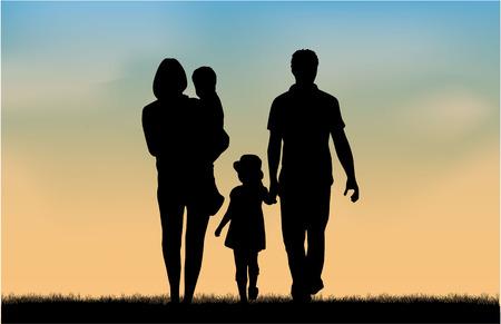Photo pour Family silhouettes in nature. - image libre de droit