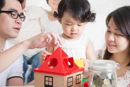 Foto de Asian multi generations family lifestyle at home. - Imagen libre de derechos