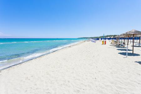 Foto de Alimini Grande, Apulia, Italy - Visiting the huge beach of Alimini Grande - Imagen libre de derechos