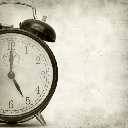 Photo pour old fashioned alarm clock - image libre de droit