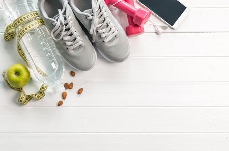 Photo pour fitness equipment, diet food, space for text - image libre de droit