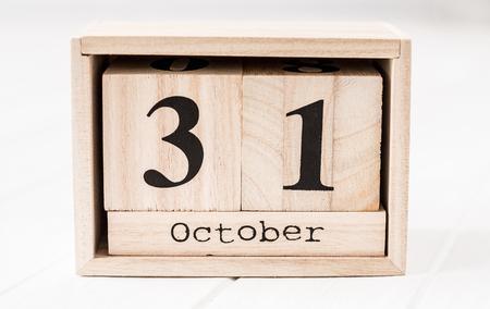 Foto de Wooden calendar that shows thirty-first of december - Imagen libre de derechos