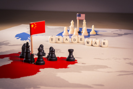 Photo pour USA and China trade war concept - image libre de droit