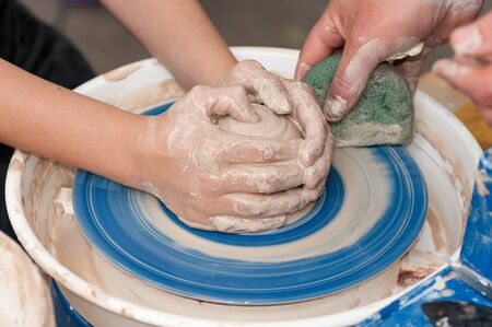 Photo pour master class in pottery - image libre de droit