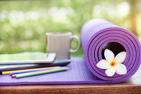 Foto de yoga mat - Imagen libre de derechos