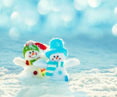 Photo pour Snowman on snow. Christmas decoration. Winter - image libre de droit