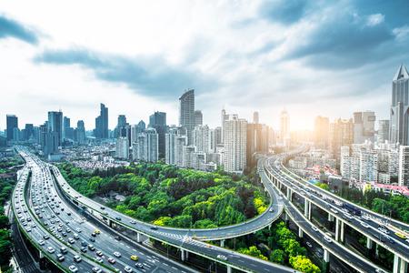 Photo pour Shanghai elevated road at dusk - image libre de droit