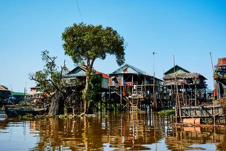 Photo pour Tonle Sap Floating village Cambodia asia travel - image libre de droit