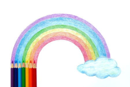 Photo pour Colored pencils with rainbow and cloud hand drawing - image libre de droit