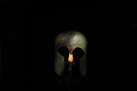 Photo pour Original antique helmet of Grecian warriors - image libre de droit