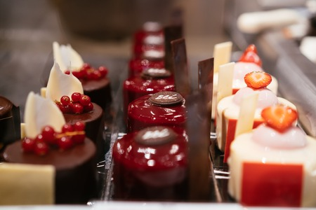 Photo pour There are different types of desserts in the form of small cakes - image libre de droit