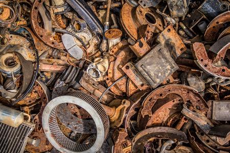 Foto de Pile of car parts - Imagen libre de derechos