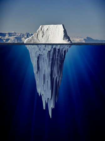 Photo pour iceberg with underwater view taken in greenland - image libre de droit