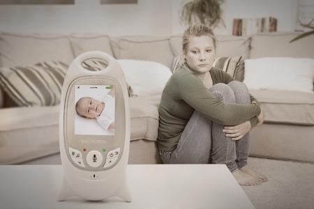 Photo pour Young new mother suffering from postpartum depression - image libre de droit