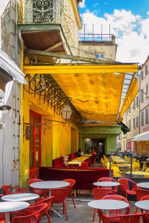 Foto per Arles, France - September 2, 2017: Cafe Van Gogh at Place du Forum in Arles - Immagine Royalty Free