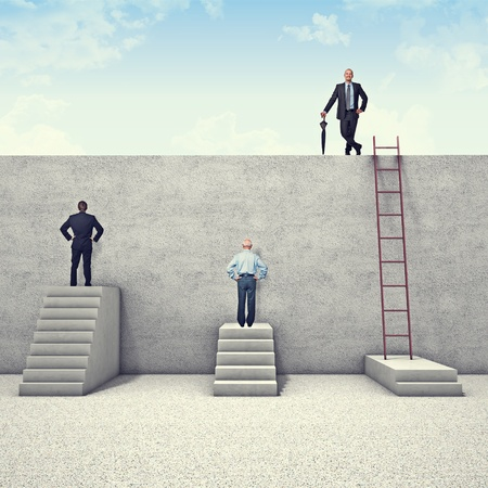 Foto de business people and metaphoric obstacle - Imagen libre de derechos