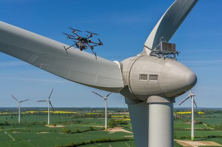 Foto de Drone during maintenance and inspection of a wind turbine aerial view - Imagen libre de derechos