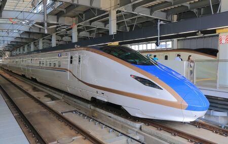 Foto de Kanazawa Japan - May 10, 2015: Hokuriku Sinkansen bullet train. - Imagen libre de derechos