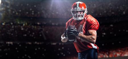 Foto de American football sportsman player in sports competition stadium - Imagen libre de derechos