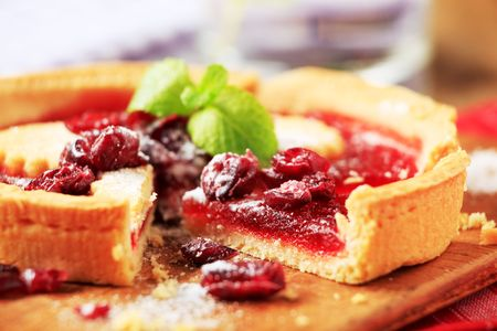 Shortcrust cake with fruit filling - detail