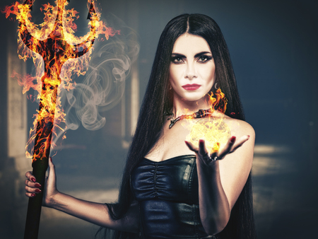 Foto de Beauty from the Hell, spooky female portrait, halloween theme - Imagen libre de derechos