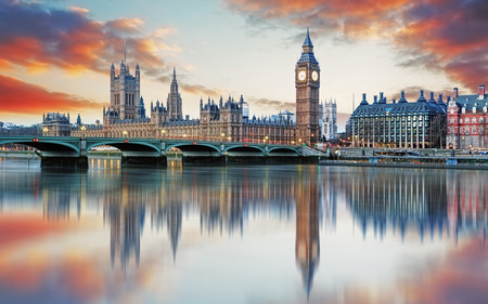 Photo pour London - Big ben and houses of parliament, UK - image libre de droit