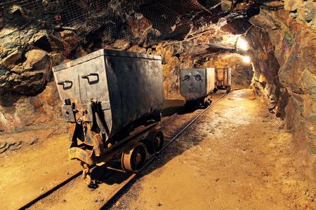 Photo pour Mining cart in silver, gold, copper mine - image libre de droit
