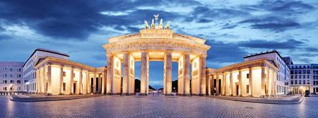 Foto de Brandenburg Gate, Berlin, Germany - panorama - Imagen libre de derechos