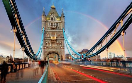 Photo pour London, Tower Bridge - image libre de droit