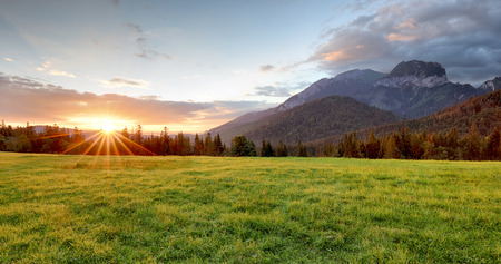 Photo pour Sunrise in mountains landscape, Slovakia, Tatranska Javorina - image libre de droit
