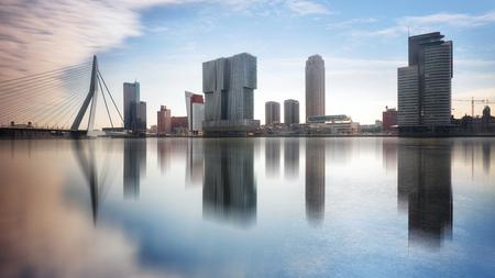 Photo pour Rotterdam Skyline with Erasmusbrug bridge, Netherlands. - image libre de droit