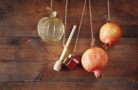 Photo pour Rosh hashanah (jewish New Year holiday) concept. Traditional symbol - image libre de droit