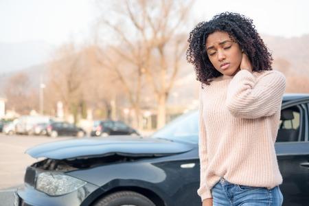 Photo pour Injured woman feeling bad after having a car crash - image libre de droit