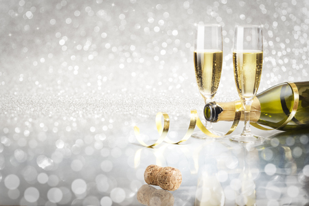 Photo pour Toast champagne, silver background corck - image libre de droit