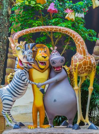 Foto de SINGAPORE - July 20 2015: Tourists and theme park visitors Attraction in Universal Studios at Singapore in Sentosa island, Singapore - Imagen libre de derechos