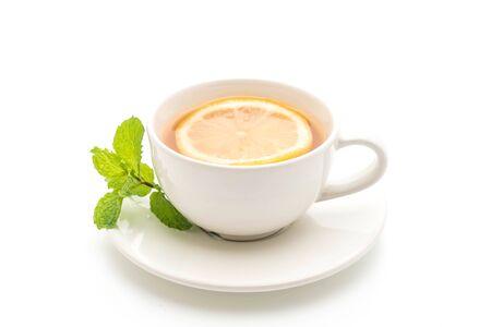 Photo pour hot lemon tea isolated on white background - image libre de droit