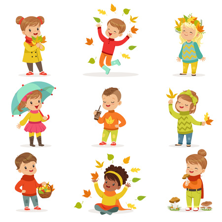 Illustration pour Autumn children s outdoor seasonal activities set. Collecting leaves, playing and throwing leaves, picking mushrooms, walking. Flat cartoon vector. - image libre de droit