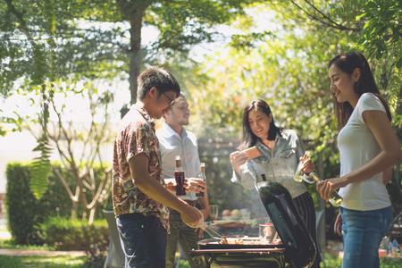 Photo pour Afternoon Party, barbecue and roast pork - image libre de droit