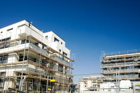 Photo pour construction site housing of a modern building in berlin - image libre de droit