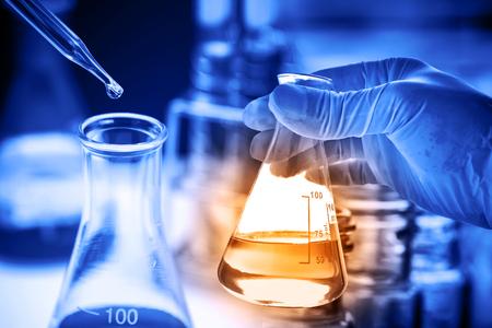 Foto de Laboratory glassware, science research and development concept - Imagen libre de derechos