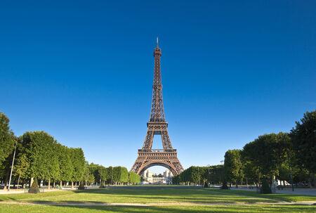 Photo pour Iconic Eiffel Tower (1889) symbol of Paris and Champ-De-Mars park. - image libre de droit