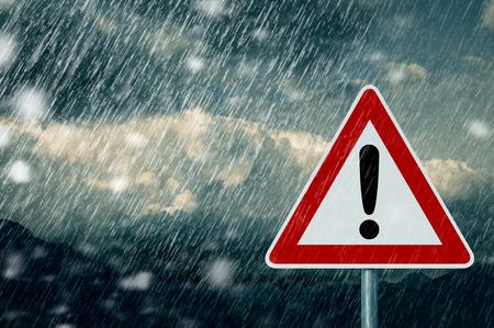 Foto de bad weather - caution - warning sign - Imagen libre de derechos