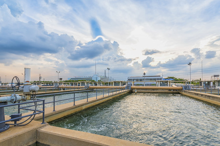 Foto de sand filtration tank at water treatment plant - Imagen libre de derechos