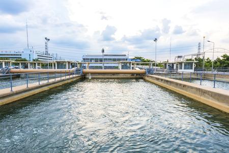 Photo pour sand filtration tank at water treatment plant - image libre de droit
