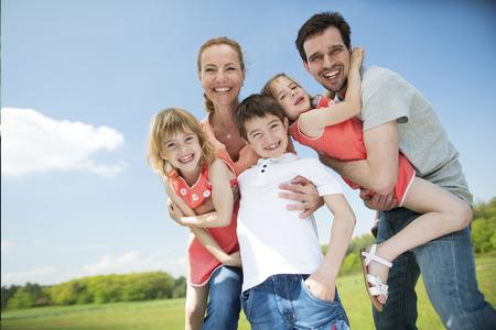 Photo pour Happy family with children - image libre de droit