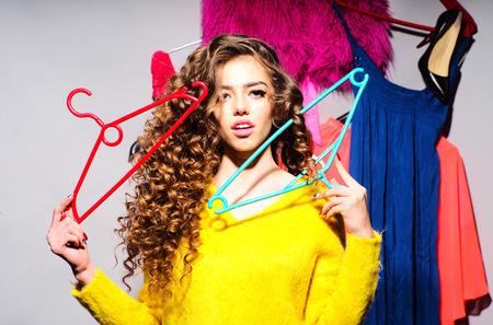 Photo pour Beautiful sexy Woman with her colorful clothes - image libre de droit