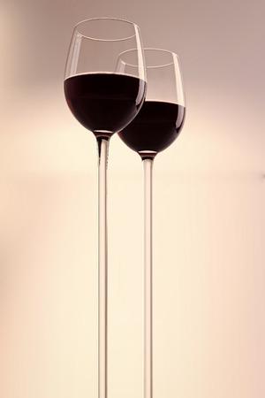 Photo pour Two glasses with red wine - image libre de droit
