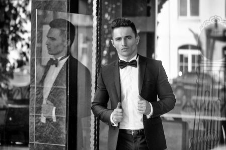 Photo pour man in a tuxedo. Young man in suit - image libre de droit